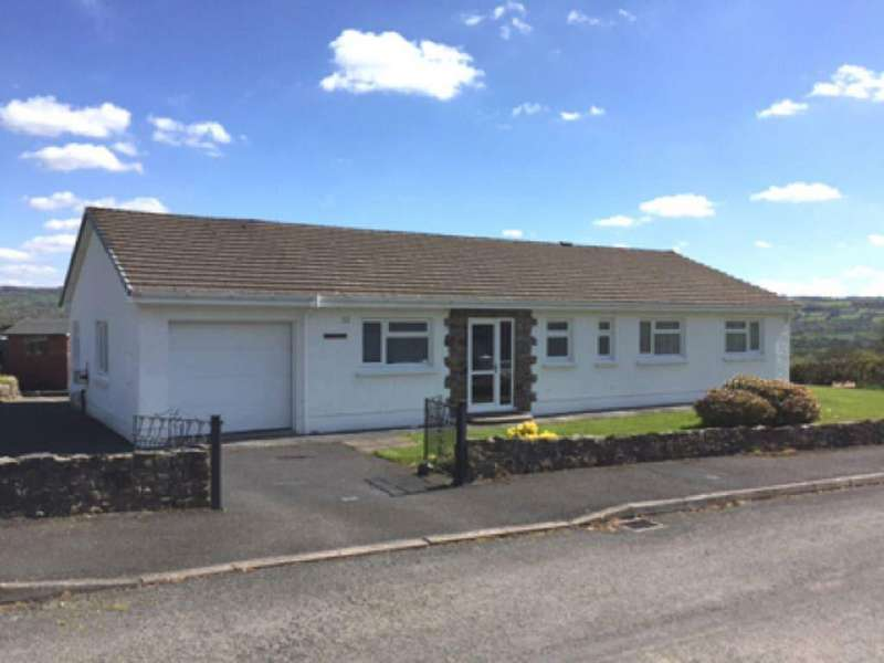3 Bedrooms Bungalow for sale in Maestir Road, Lampeter, Ceredigion