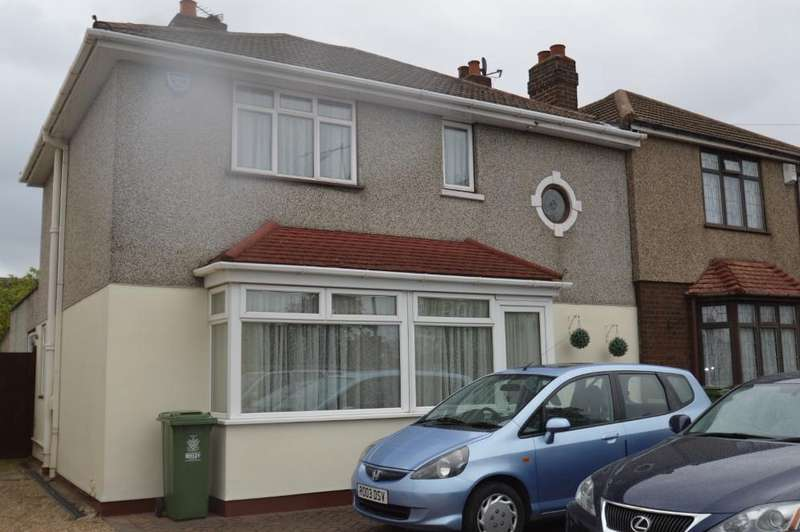 4 Bedrooms Detached House for sale in Blackfen Road, Sidcup DA15