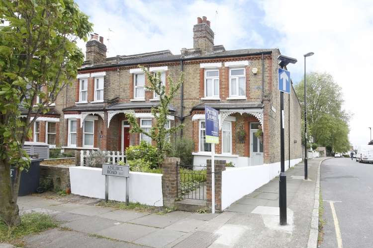 3 Bedrooms End Of Terrace House for sale in Aislibie Road Lee SE12