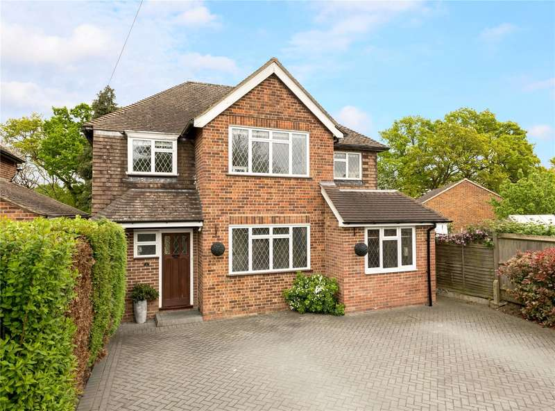 4 Bedrooms Detached House for sale in Hillford Place, Redhill, Surrey, RH1