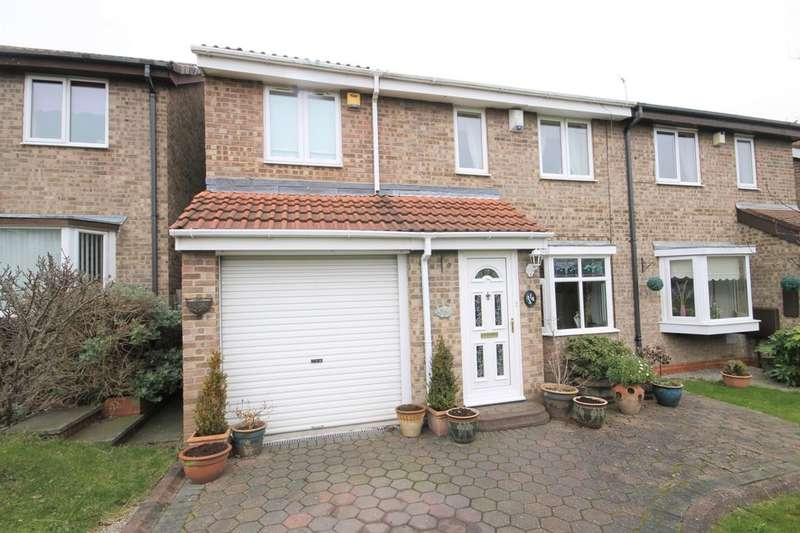 4 Bedrooms Semi Detached House for sale in Fieldfare Close, Washington, NE38