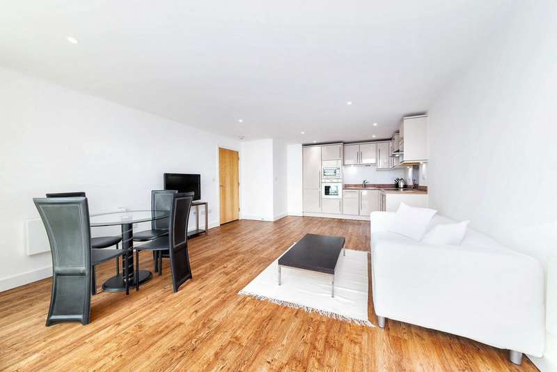 2 Bedrooms Apartment Flat for sale in Fathom Court, Basin Approach, Gallions Reach, E16