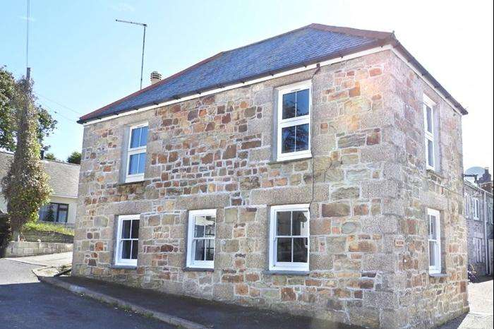 3 Bedrooms Cottage House for sale in Weston, Thomas Terrace, PORTHLEVEN, TR13