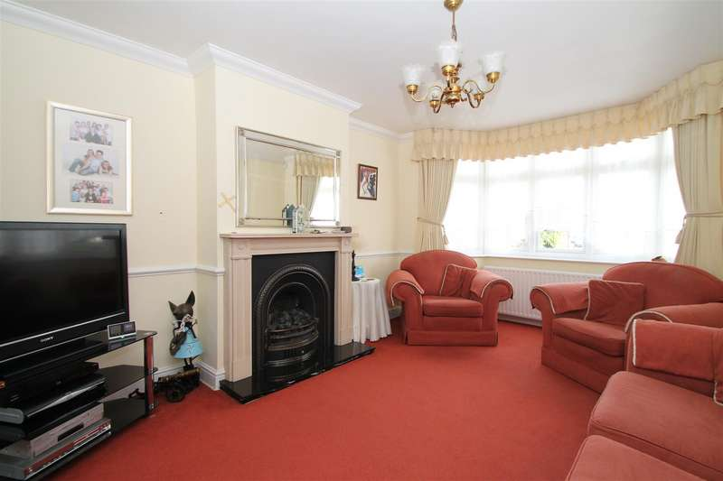 3 Bedrooms Property for sale in Munster Gardens, Palmers Green, London N13