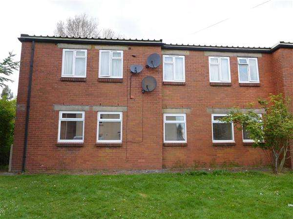 3 Bedrooms Apartment Flat for sale in Ashtree Road, Caerwent