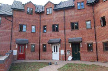 4 Bedrooms End Of Terrace House for sale in Cullompton, Devon