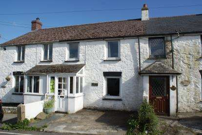 3 Bedrooms Terraced House for sale in St. Cleer, Liskeard, Cornwall