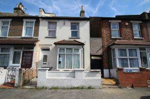 2 Bedrooms End Of Terrace House for sale in Wentworth Road, Croydon