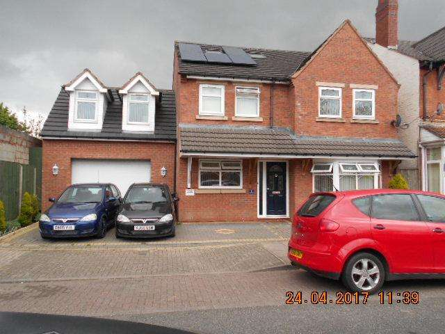 6 Bedrooms Detached House for sale in Lloyd Street, Small Heath, Birmingham B10