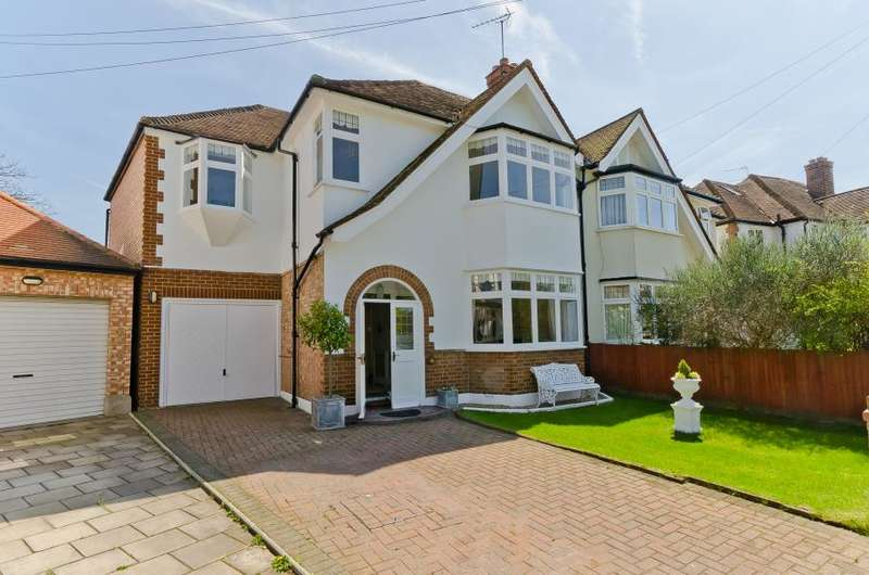 4 Bedrooms Semi Detached House for sale in Wellesley Crescent, Strawberry Hill