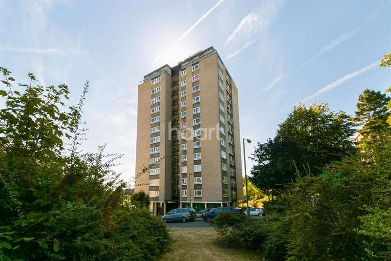 2 Bedrooms Flat for sale in Whoitlock Drive, Southfields, SW19