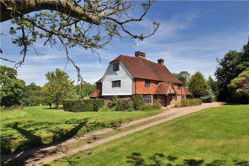 6 Bedrooms Detached House for rent in Bletchinglye Lane, Rotherfield, Crowborough, East Sussex, TN6