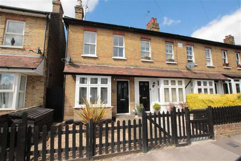 3 Bedrooms End Of Terrace House for sale in West Street, Leigh-On-Sea, Essex