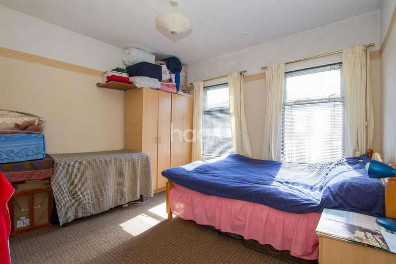 2 Bedrooms Terraced House for sale in The Heart Of Bury Park