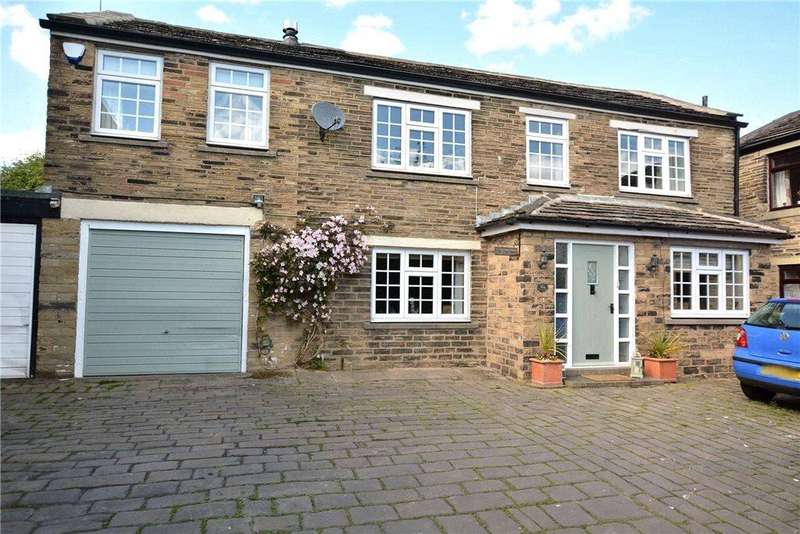 4 Bedrooms Detached House for sale in The Coach House, Roker Lane, Pudsey, West Yorkshire