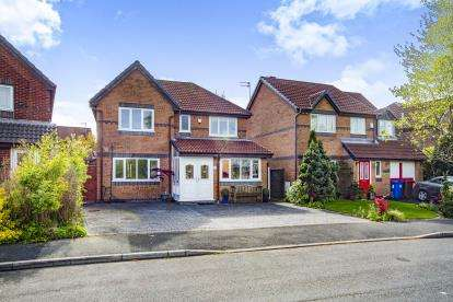 4 Bedrooms Detached House for sale in Wotton Drive, Ashton, Greater Manchester, England, WN4