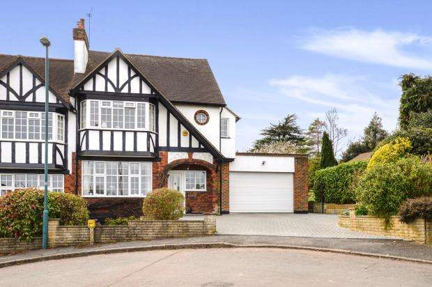 4 Bedrooms Semi Detached House for sale in Carshalton, Surrey, .