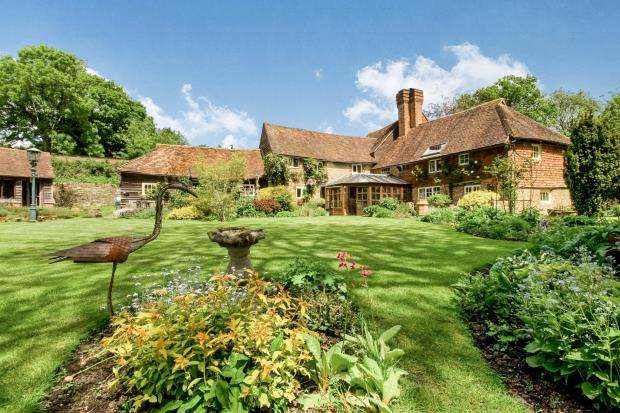 4 Bedrooms House for sale in Haslemere, Surrey, United Kingdom
