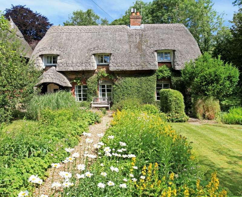 3 Bedrooms Cottage House for sale in Wellhouse Cottage, Wellhouse Road, Beech, Alton, Hampshire, GU34 4AH