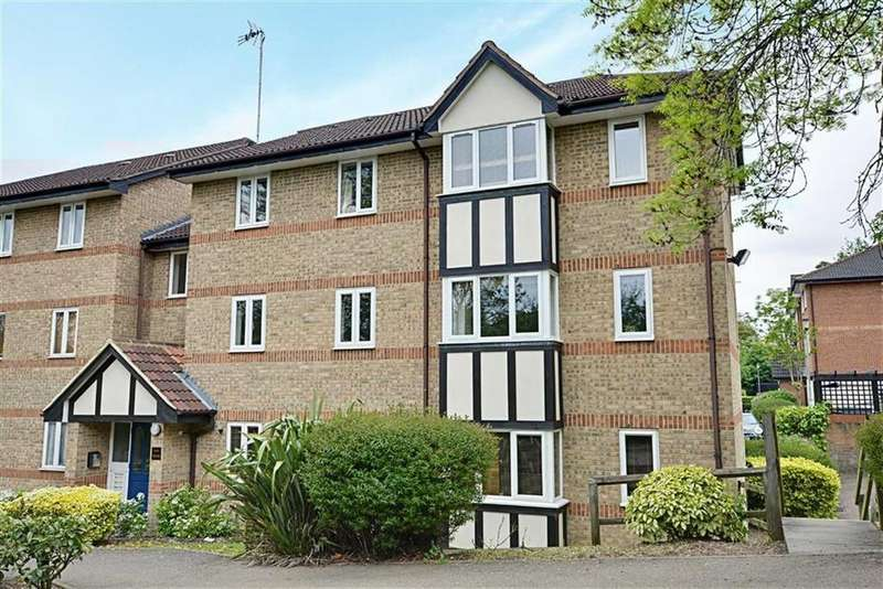 2 Bedrooms Flat for sale in Fallow Rise, Hertford, Herts, SG13
