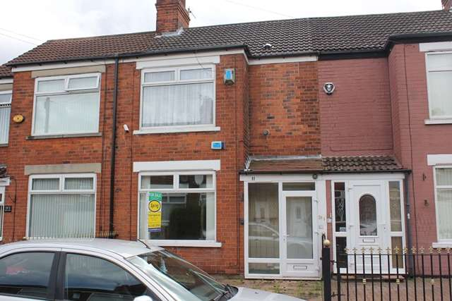 3 Bedrooms Terraced House for sale in 11 Stephenson Street, Hull HU9 3BS. Three bed mid-terrace in need of modernisation.