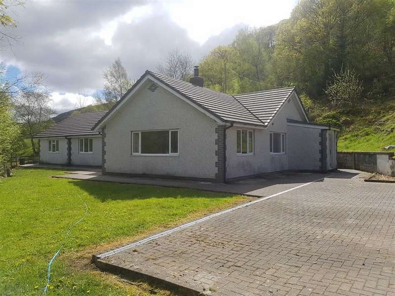 4 Bedrooms Detached Bungalow for sale in Cwmerfyn, Aberystwyth