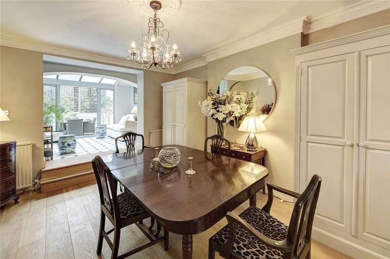 1 Bedroom Flat for sale in Royal Crescent, Notting Hill, London, W11