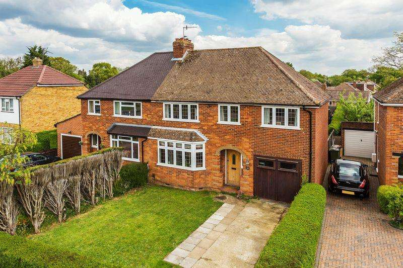 4 Bedrooms Detached House for sale in Brooke Forest, Guildford