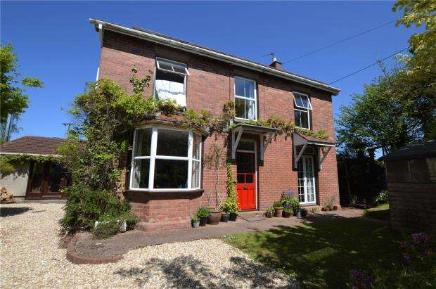 4 Bedrooms Detached House for sale in Copplestone, Crediton, Devon