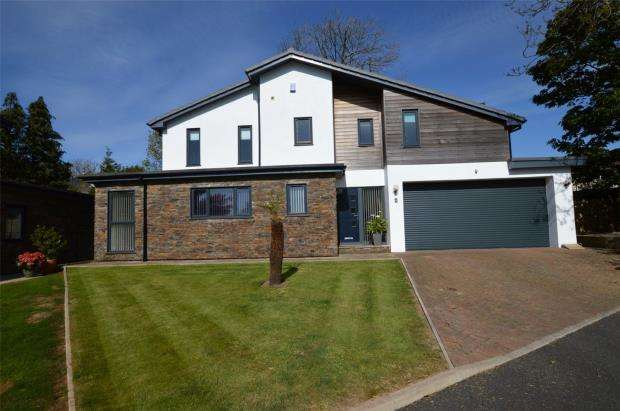 4 Bedrooms Detached House for sale in The Folly, Elburton, Plymouth, Devon