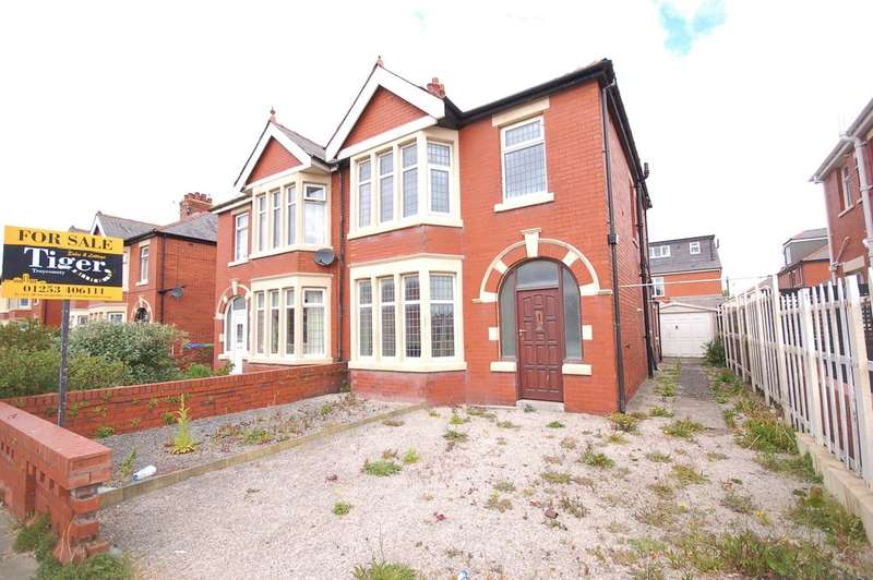 4 Bedrooms Semi Detached House for sale in St Martins Road, Blackpool