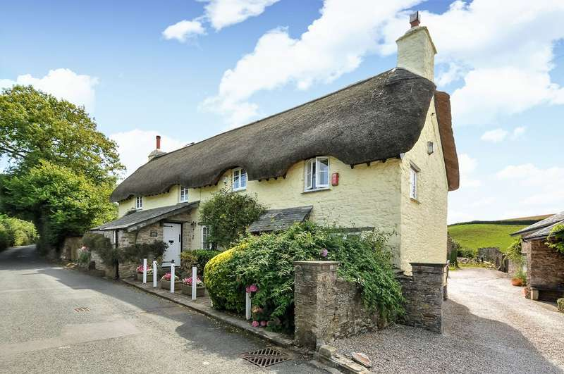 3 Bedrooms Detached House for sale in Dunstone, Yealmpton, Plymouth, Devon