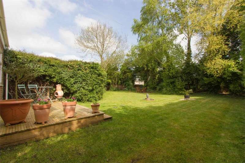 2 Bedrooms Flat for sale in Cuckoofield Lane, Mulbarton, Norfolk