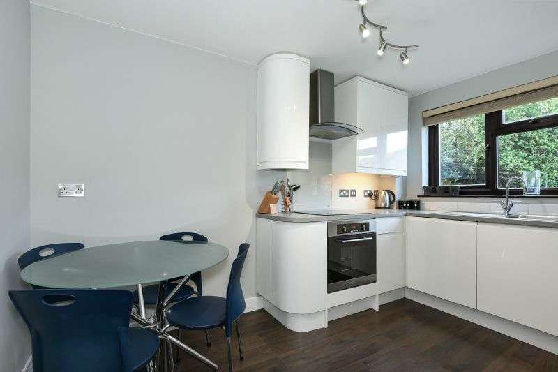 1 Bedroom Ground Flat for sale in Langton Grove, Northwood