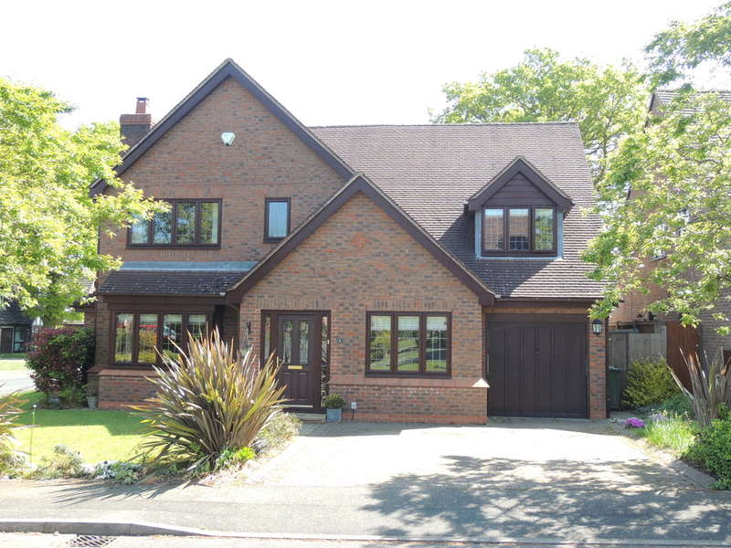 4 Bedrooms Detached House for sale in Brightwell Crescent, Dorridge, Solihull
