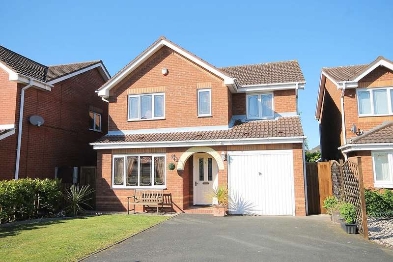 4 Bedrooms Detached House for sale in Mansfield Close, Tame Meadow, Tamworth, B79 7YE