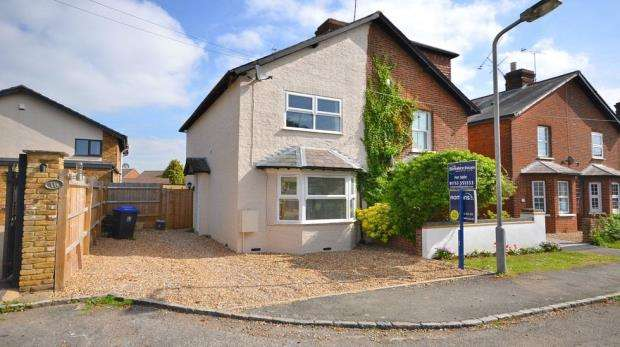 3 Bedrooms Semi Detached House for sale in Almond Road, Burnham, Buckinghamshire