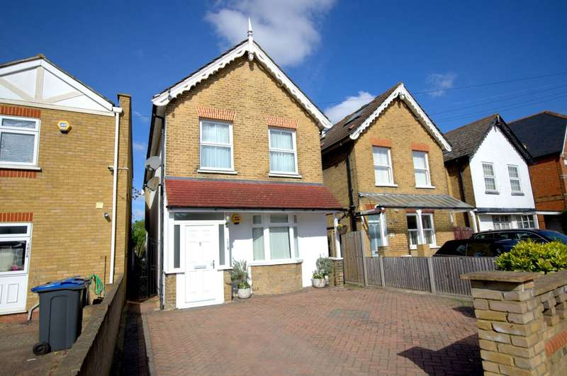 4 Bedrooms Detached House for sale in Edge of The Groves