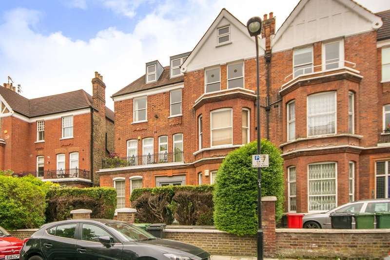3 Bedrooms Flat for sale in Compayne Gardens, South Hampstead, NW6