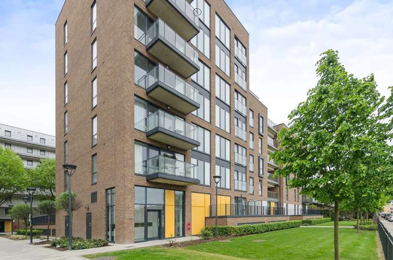 2 Bedrooms Flat for sale in Chadwick Court, Poplar, E14