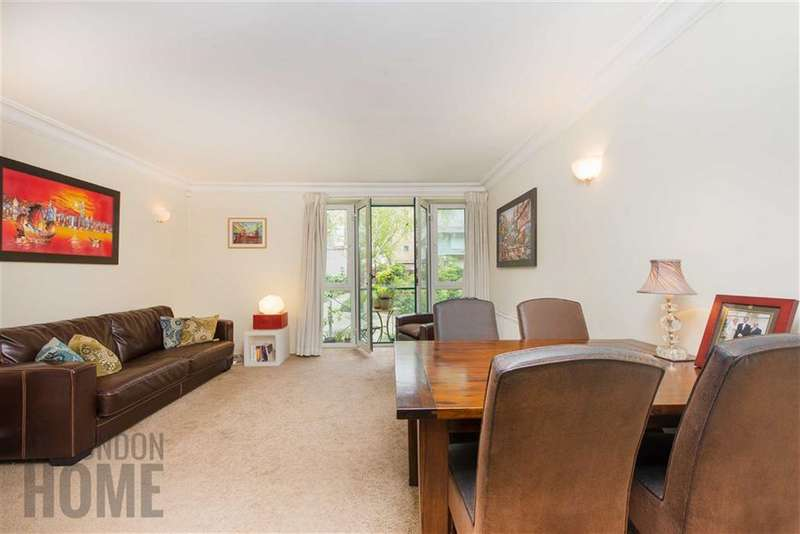 1 Bedroom Property for sale in Walpole House, Westminster Square, Lambeth North, London, SE1