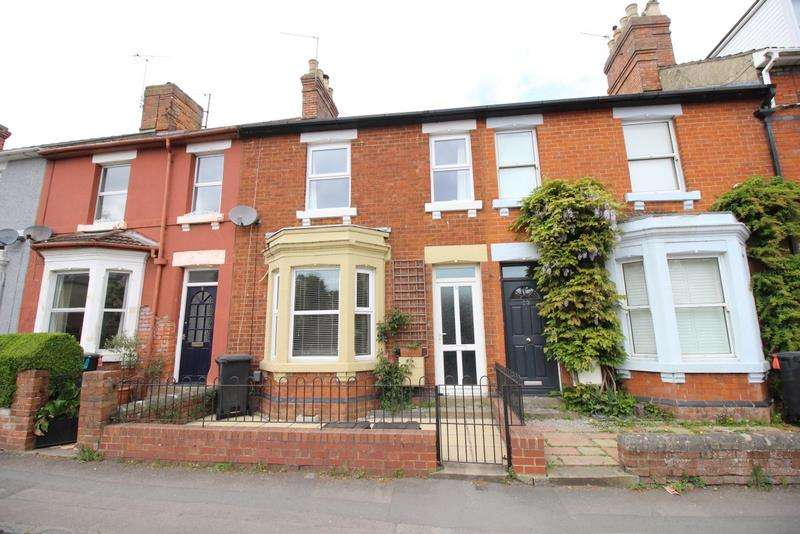 3 Bedrooms Property for sale in Springfield Road, Old Town, Swindon