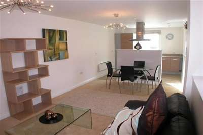 2 Bedrooms Flat for rent in Heathcoat House, City Centre, NG1 7HD