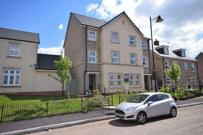 3 Bedrooms Semi Detached House for sale in Ffordd Y Draen, Bridgend