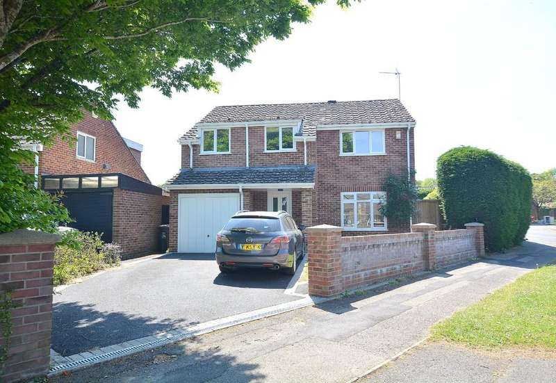 4 Bedrooms Detached House for sale in Sopwith Crescent, Wimborne