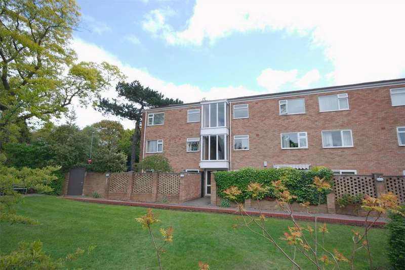 2 Bedrooms Flat for sale in Thornhill Road, Streetly, Sutton Coldfield, West Midlands