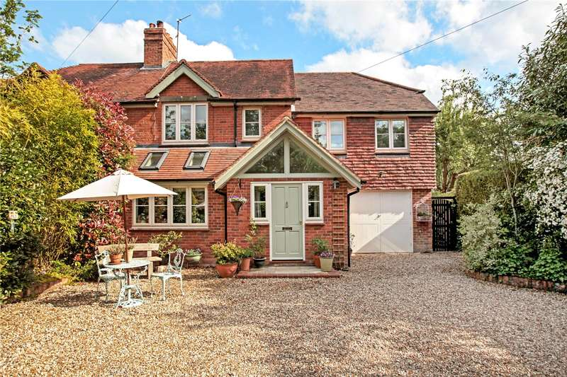 4 Bedrooms Semi Detached House for sale in The Village, Hamstead Marshall, Newbury, RG20
