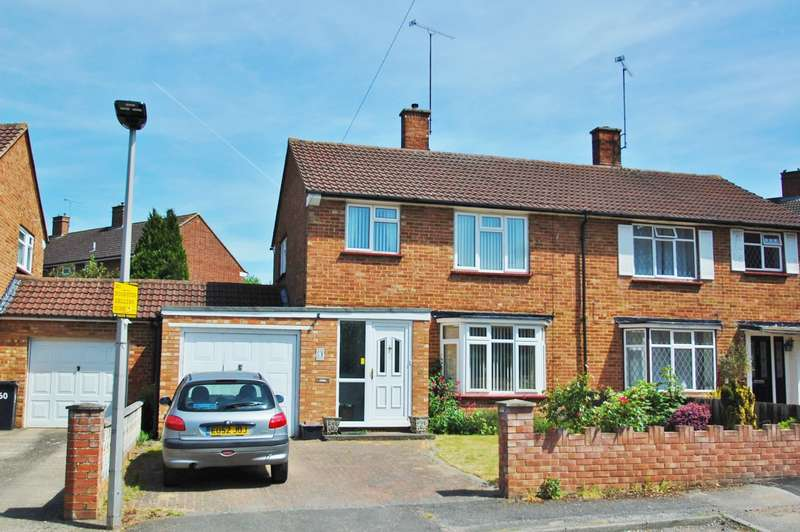 3 Bedrooms Semi Detached House for sale in Green Tiles Lane, Denham, UB9