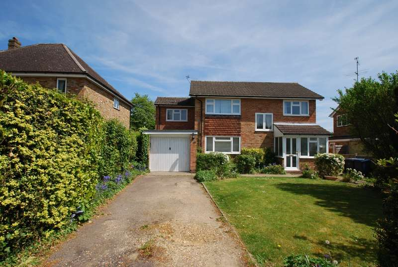 4 Bedrooms Detached House for sale in Chilton Close, Penn, HP10