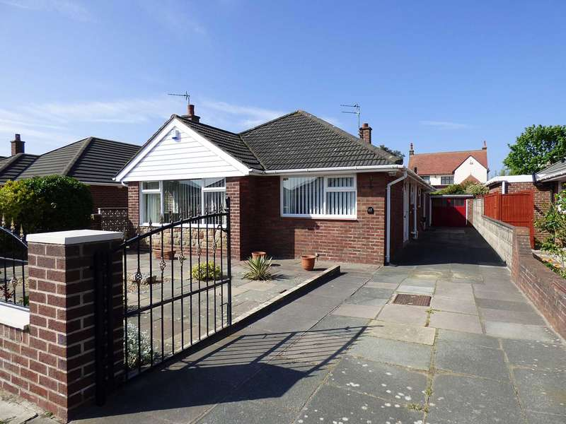 3 Bedrooms Detached Bungalow for sale in Salcombe Road, St Annes